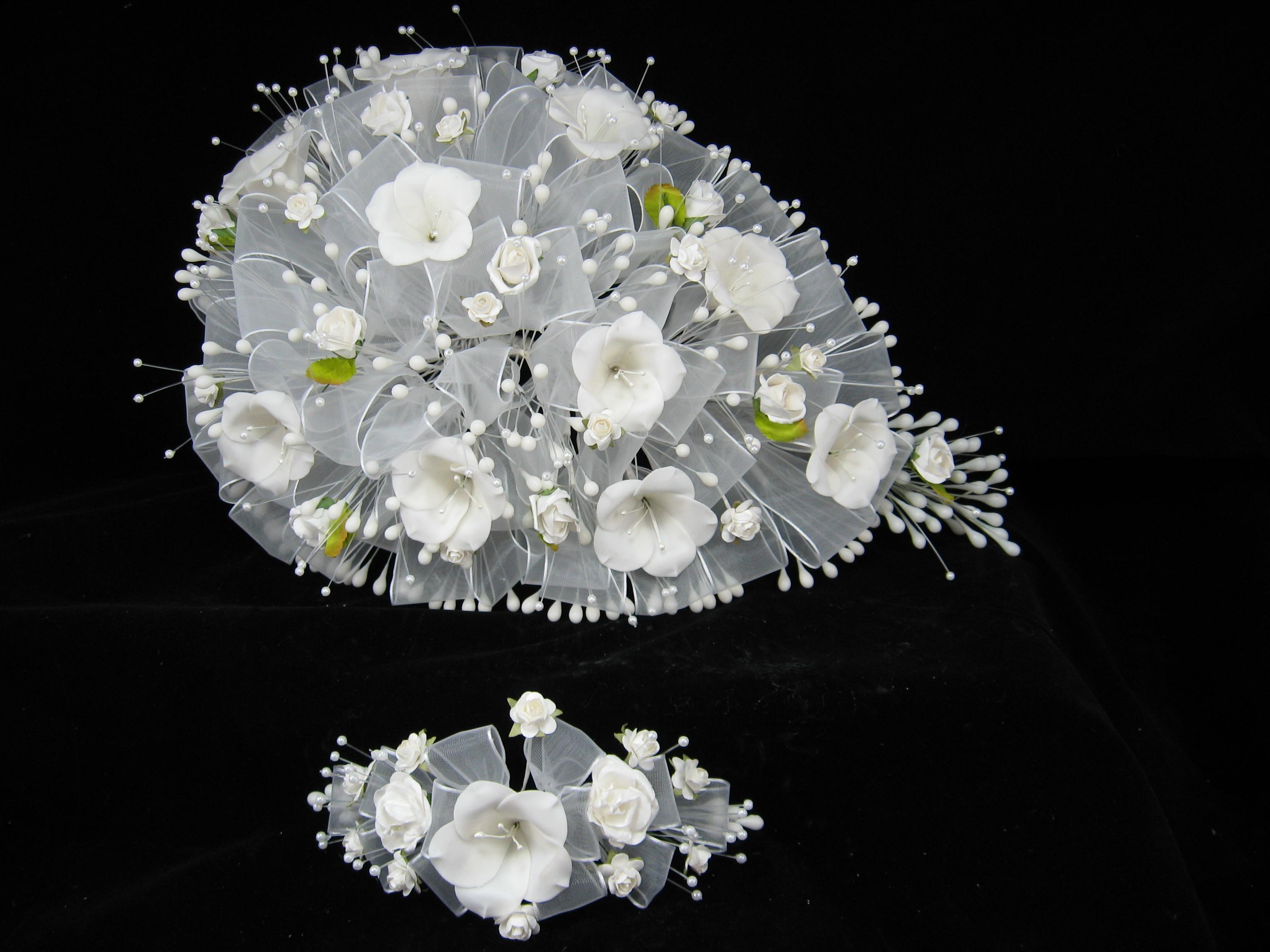 Flores de migajon car interior design - Como hacer ramos de flores ...
